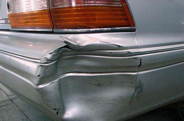 Как выполнить ремонт бампера автомобиля