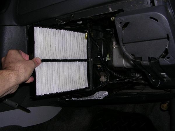 фильтр салона в автомобиле