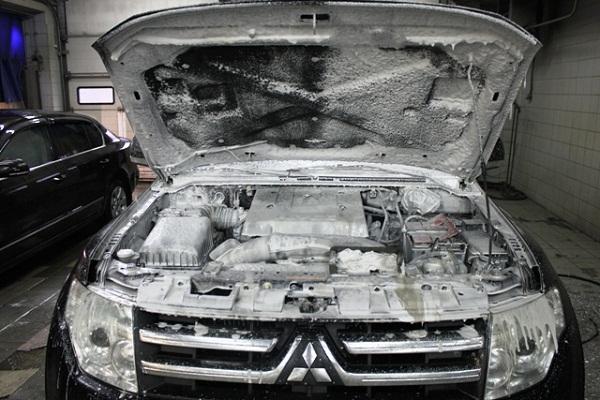 Правильно моем двигатель автомобиля