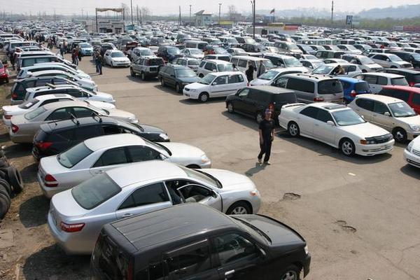 Украинский автомобильный рынок рухнул в 2015 году
