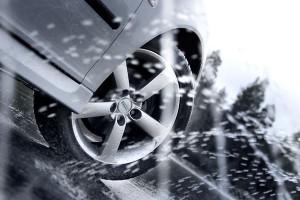 Что такое аквапланирование шин машины