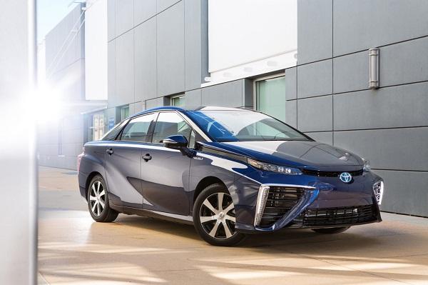 Японские водородные автомобили готовятся к наступлению