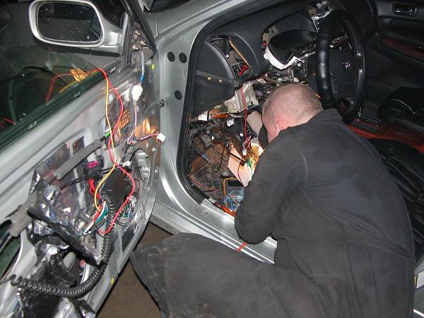 какой моторчик привода замка двери на киа сид 2011