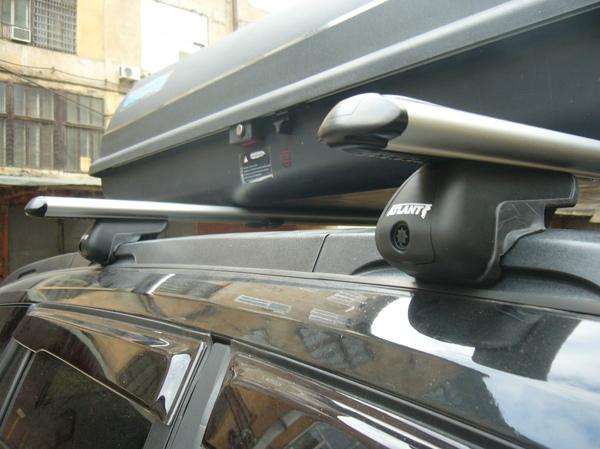 Как установить багажник на крышу автомобиля?