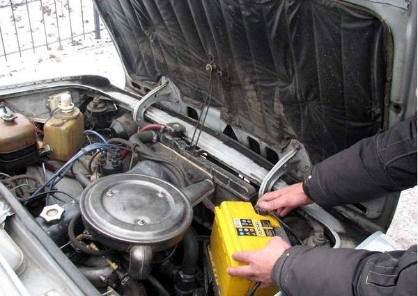 Правильный уход за аккумулятором автомобиля