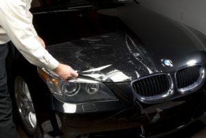 Преимущества обработки кузова автомобиля антигравийной пленкой