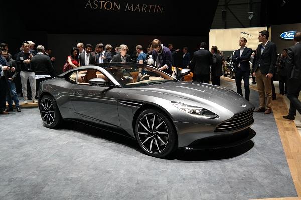 Aston Martin DB11: Супер-быстрая машина с невероятной притягательностью