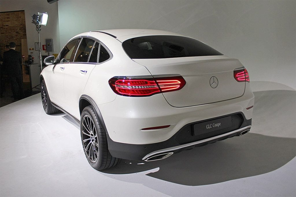 glc mercedes benz вид сзади
