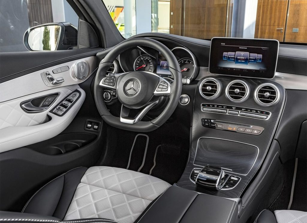 glc mercedes benz интерьер