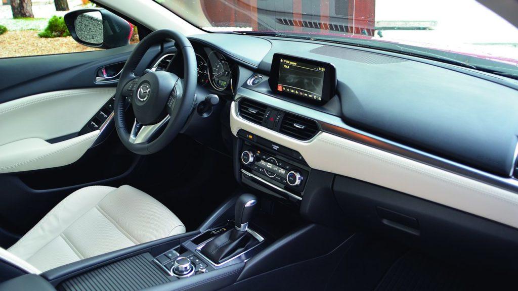 Mazda 6 интерьер