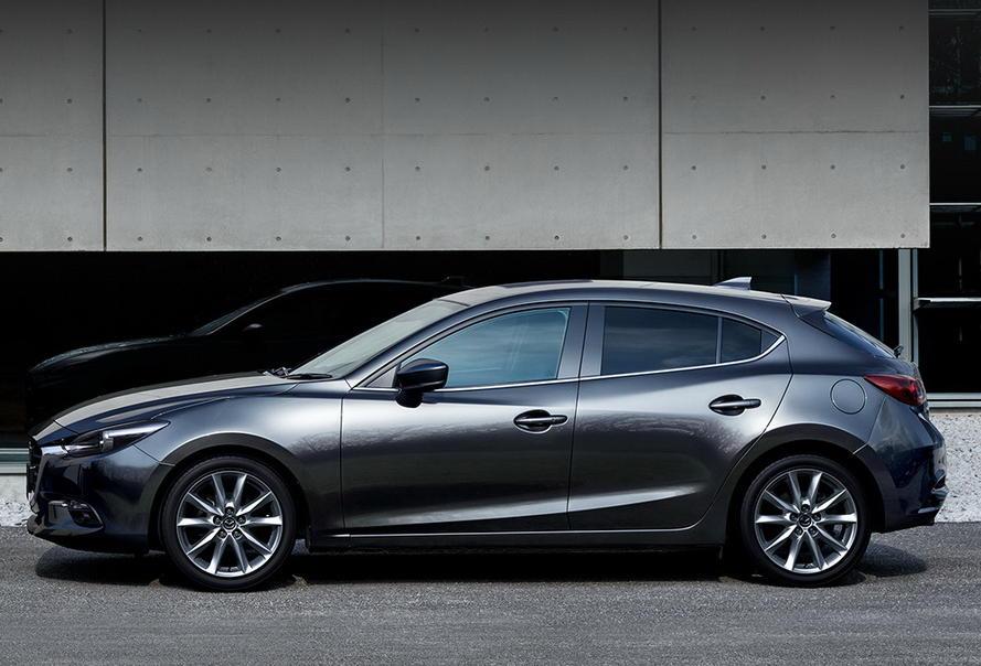2017 Mazda 3 вид сбоку