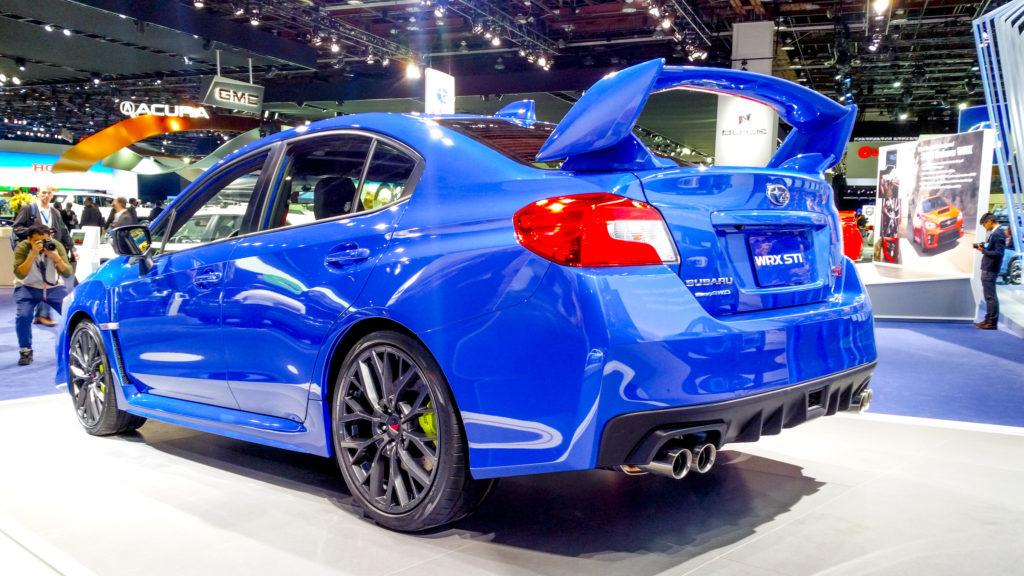Subaru WRX STI 2017 вид сзади