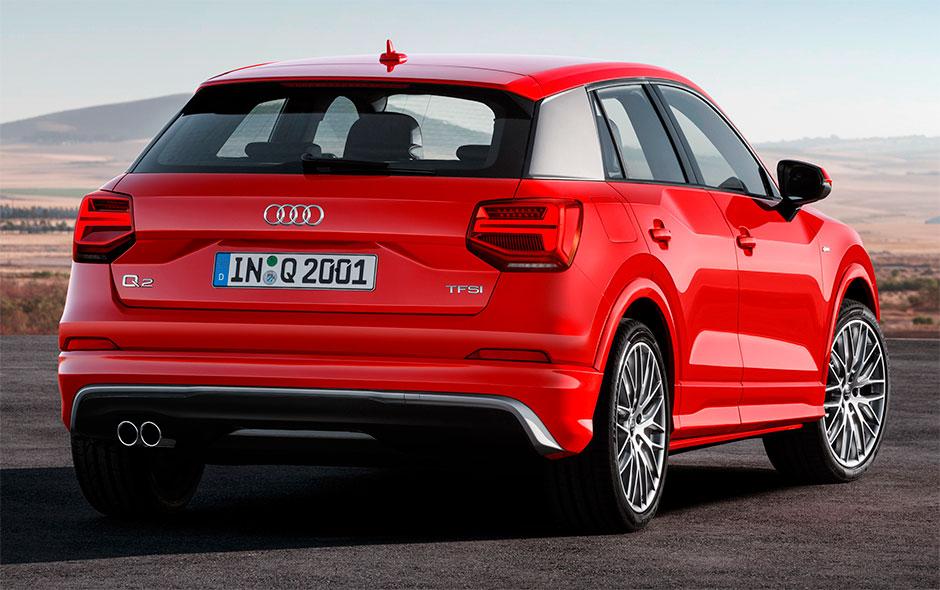 Audi Q2 2017 вид сзади