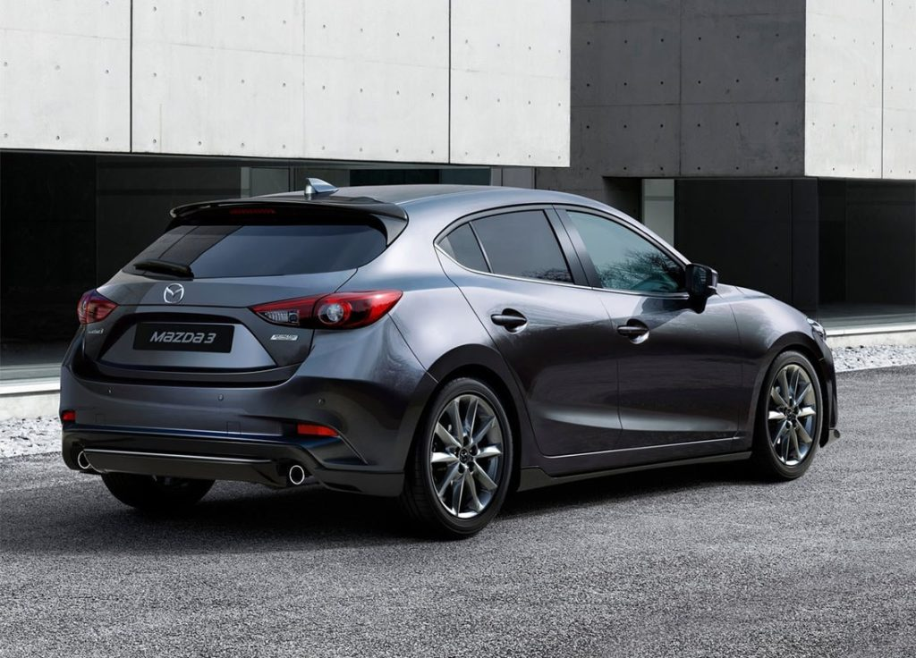 2017 Mazda 3 вид сзади