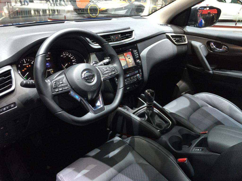 Nissan Qashqai интерьер