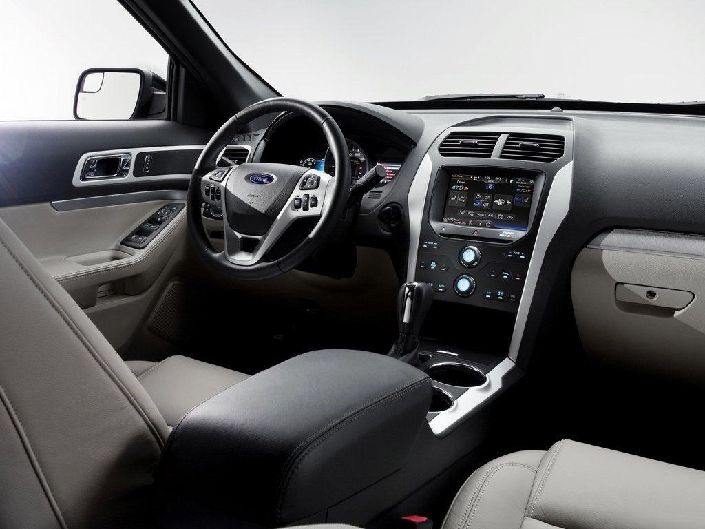 новый Форд Эксплорер интерьер