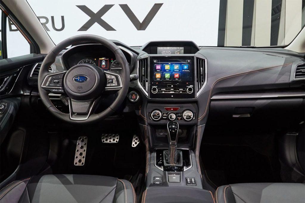 Subaru XV 2017 интерьер