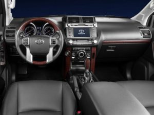 Toyota Land Cruiser Prado 2017 салон
