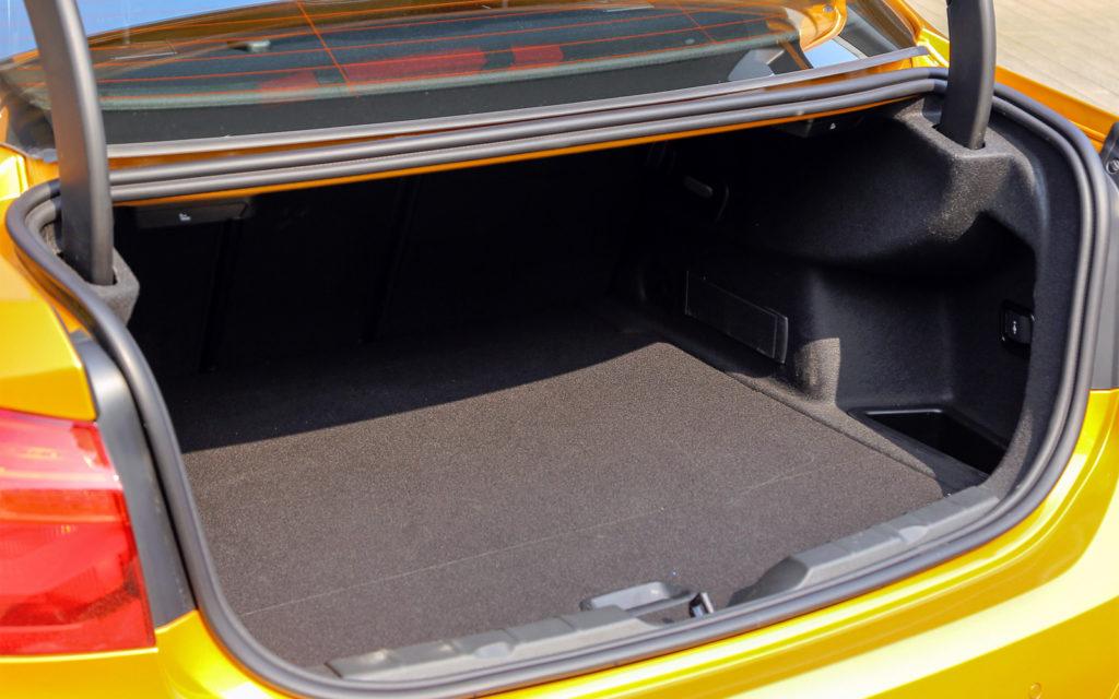 BMW X1 внутри