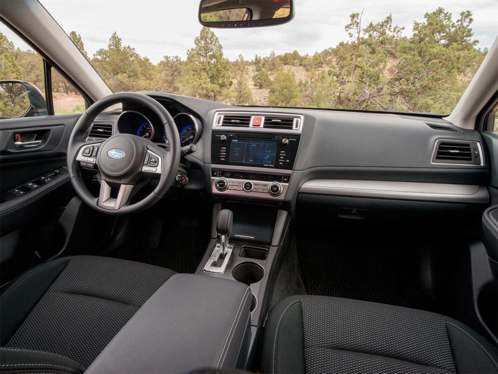 Subaru Outback 2017 салон