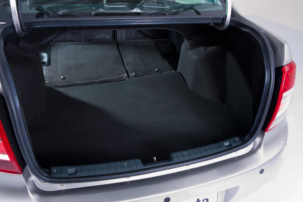 Лада Гранта багажник