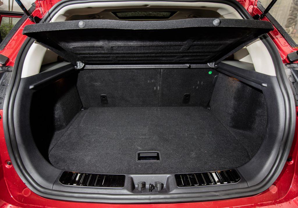 кроссовер Geely NL3 багажник