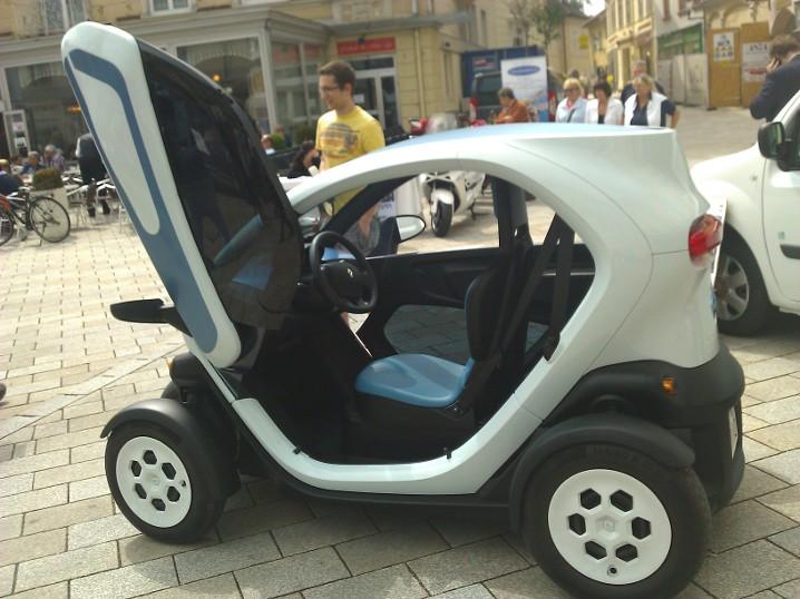 Интерьер Renault Twizy