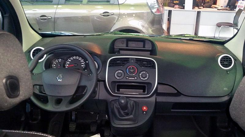 салон Renault