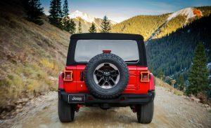 сзади Jeep Wrangler