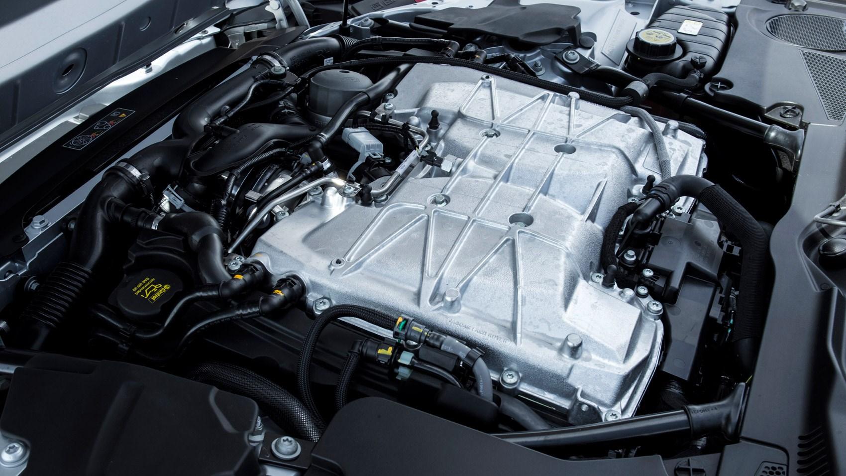 бензиновый двигатель 8 Jaguar