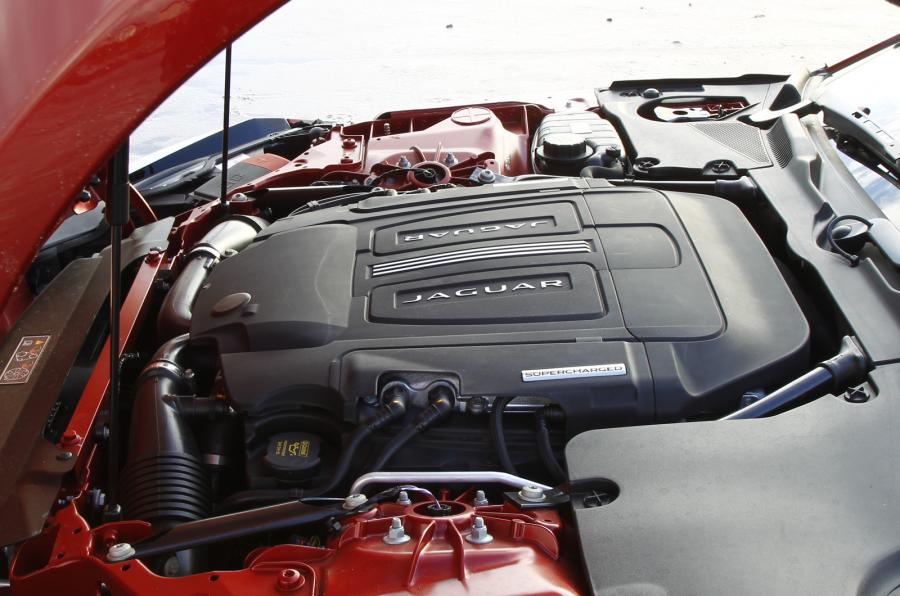 двигатель Jaguar F Type