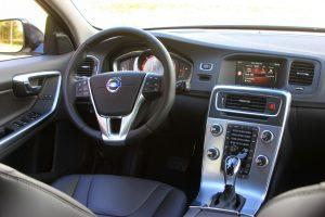 центральная панель Volvo V60