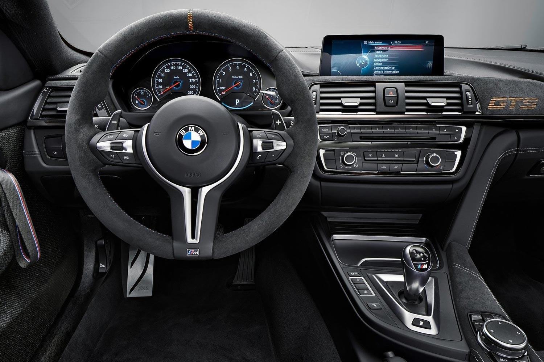 BMW M4 панель управления