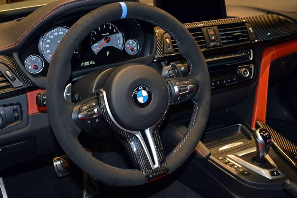 BMW M4 рулевое колесо
