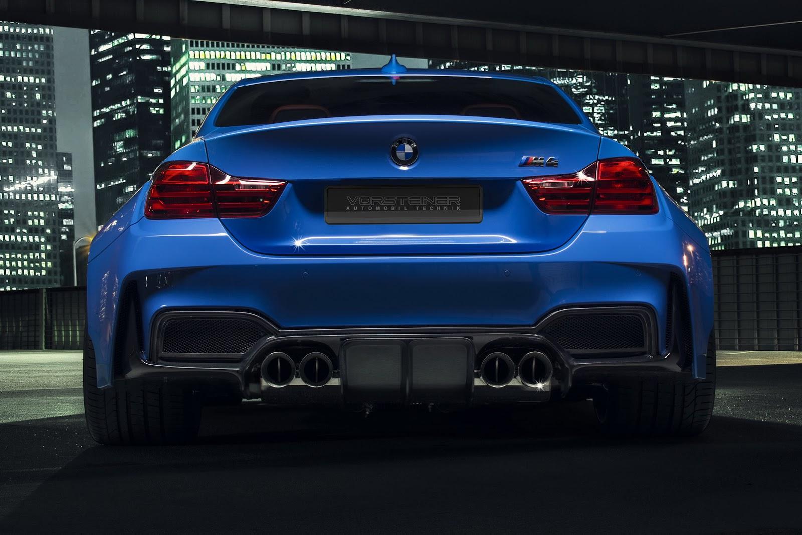 BMW M4 сзади.