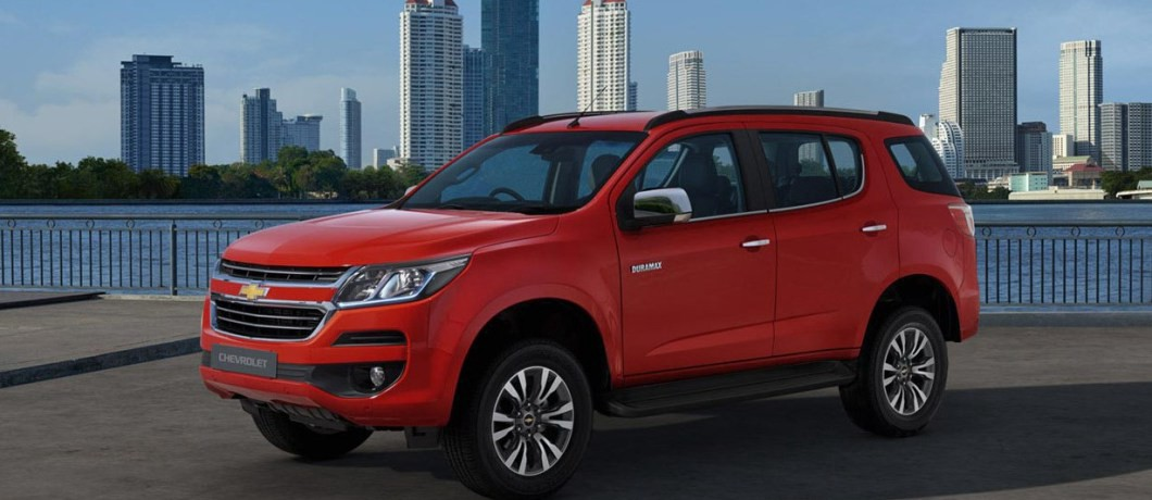 2019 chevrolet trailblazer на дороге