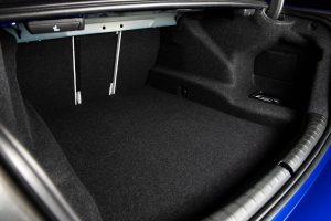 BMW M5 F90. багажник