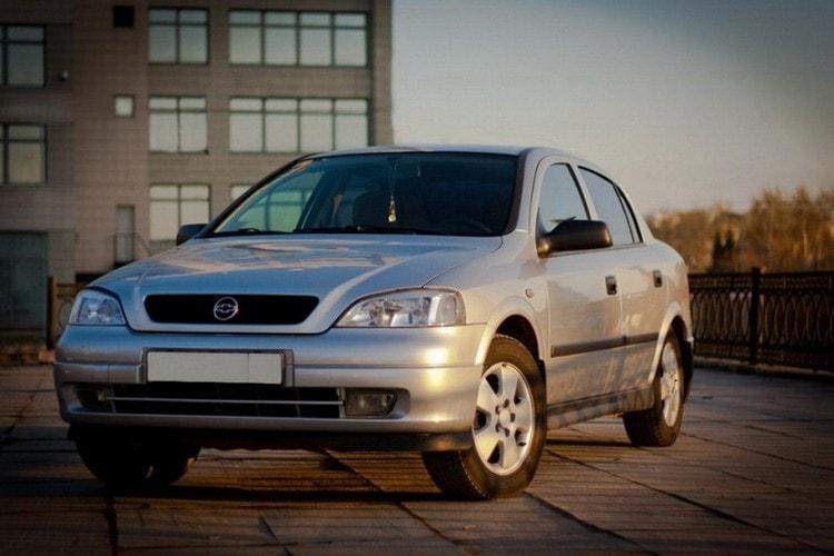 Chevrolet Viva спереди