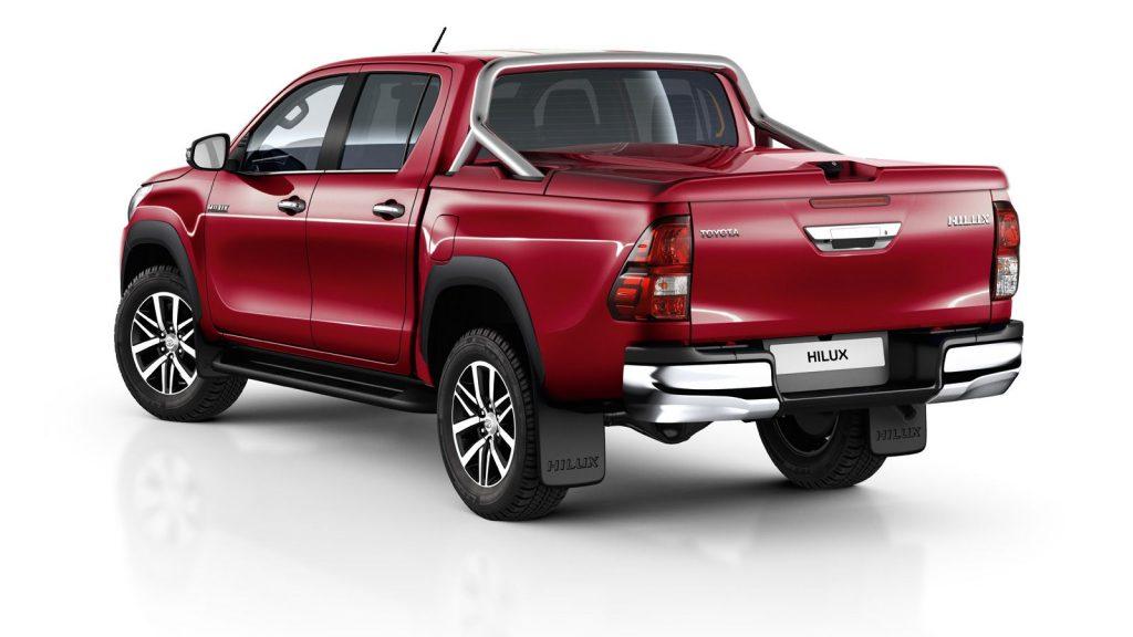 Toyota Hilux сзади