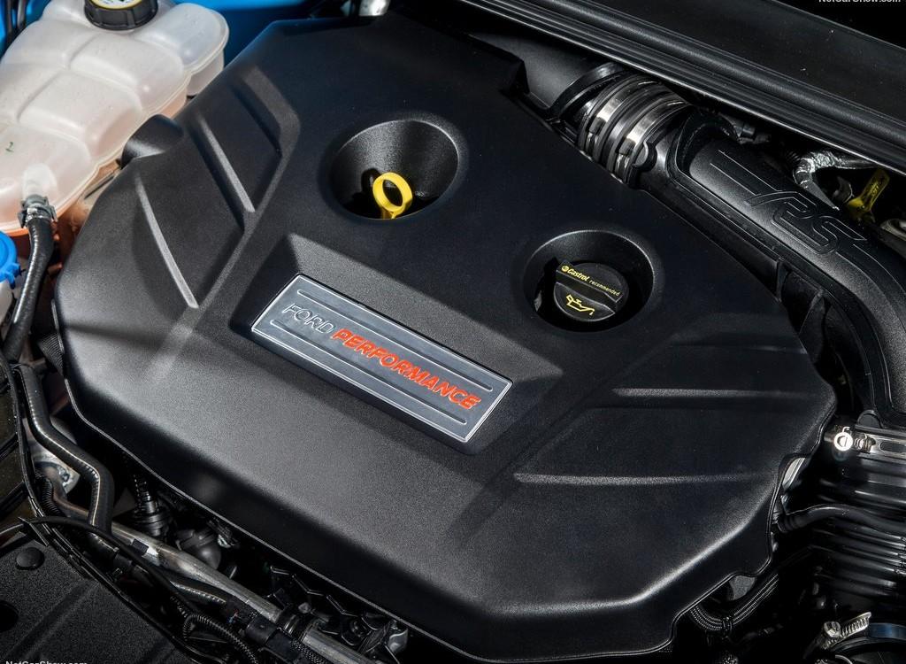 ford focus rs moteur