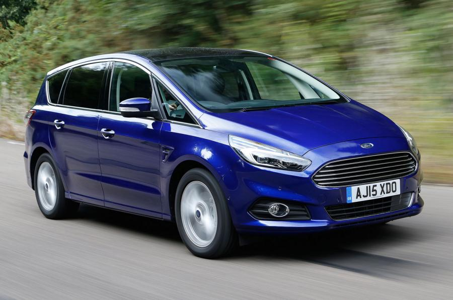 ford s max на дороге