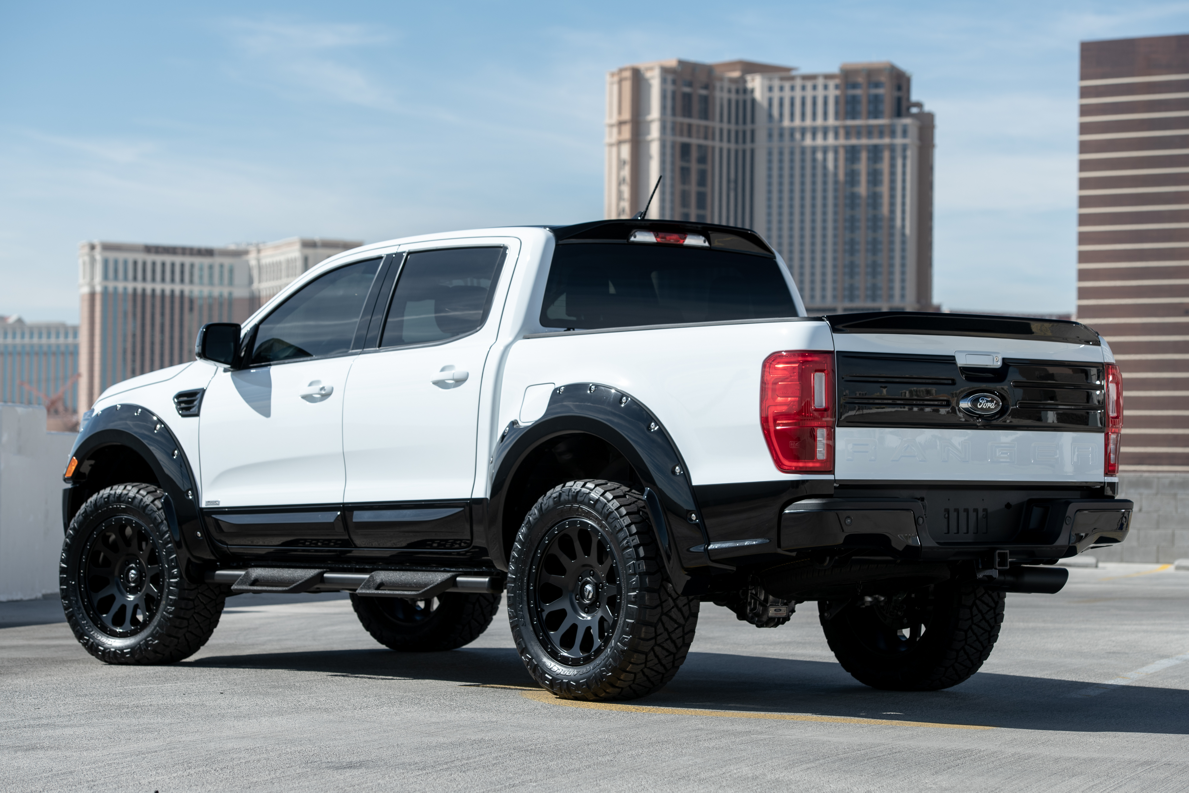 Ford Ranger сзади