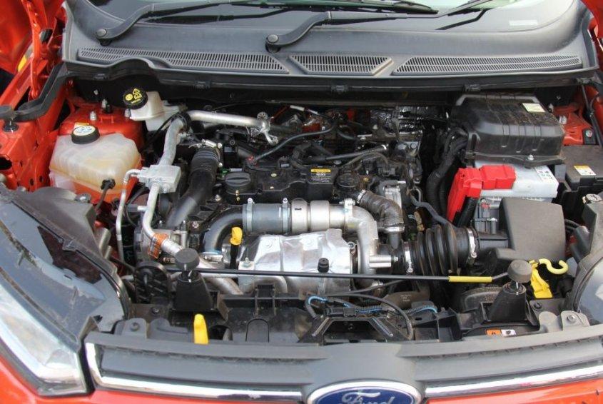 форд экоспорт двигатель.
