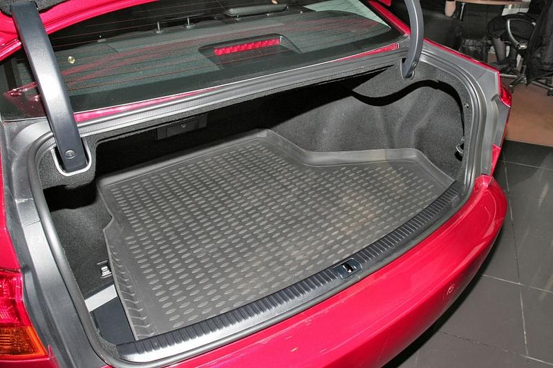 lexus is багажник