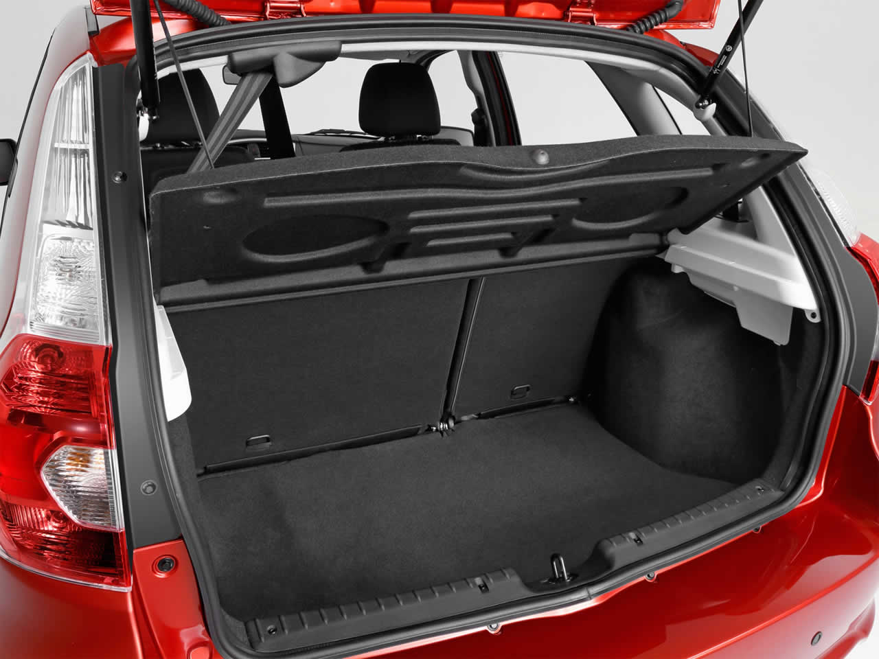 Datsun mi-Do - Интерьер - Багажник